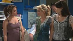 Carmella Cammeniti, Pepper Steiger, Rosie Cammeniti in Neighbours Episode 5289