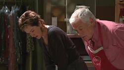 Susan Kennedy, Lou Carpenter in Neighbours Episode 5296