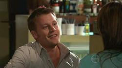 Oliver Barnes, Carmella Cammeniti in Neighbours Episode 5298