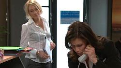 Diana Murray, Rebecca Napier in Neighbours Episode 5299