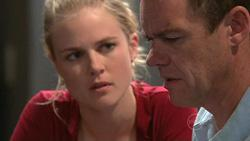 Elle Robinson, Paul Robinson in Neighbours Episode 5299