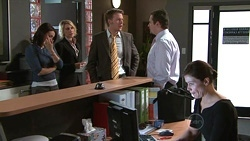 Rosie Cammeniti, Diana Murray, Oliver Barnes, Toadie Rebecchi, Rebecca Napier in Neighbours Episode 5301