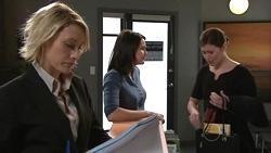 Diana Murray, Rosie Cammeniti, Rebecca Napier in Neighbours Episode 5302