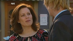Rebecca Napier, Andrew Robinson in Neighbours Episode 6037