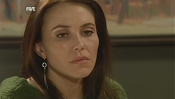 Libby Kennedy in Neighbours Episode 6037