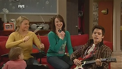India Napier, Donna Freedman, Kate Ramsay, Zeke Kinski in Neighbours Episode 6038