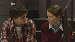 Zeke Kinski, Sophie Ramsay in Neighbours Episode 6038