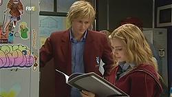 Andrew Robinson, Natasha Williams in Neighbours Episode 6039