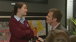 Sophie Ramsay, Michael Williams in Neighbours Episode 6039