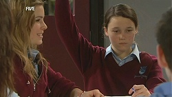 Natasha Williams, Sophie Ramsay in Neighbours Episode 6040