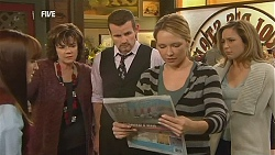 Summer Hoyland, Lyn Scully, Toadie Rebecchi, Steph Scully, Sonya Mitchell in Neighbours Episode 6041
