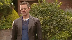 Paul Robinson in Neighbours Episode 6041