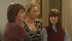 Lyn Scully, Steph Scully, Summer Hoyland in Neighbours Episode 6041
