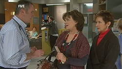 Karl Kennedy, Lyn Scully, Susan Kennedy in Neighbours Episode 6042