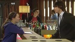 Sophie Ramsay, Zeke Kinski, Declan Napier in Neighbours Episode 6042