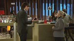 Declan Napier, Samantha Fitzgerald in Neighbours Episode 6042