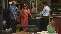 Andrew Robinson, Rebecca Napier, Declan Napier, India Napier in Neighbours Episode 6043