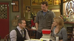 Toadie Rebecchi, Lucas Fitzgerald, Steph Scully in Neighbours Episode 6043