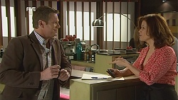 Michael Williams, Rebecca Napier in Neighbours Episode 6043