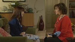 Summer Hoyland, Lyn Scully in Neighbours Episode 6045