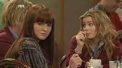 Andrew Robinson, Summer Hoyland, Natasha Williams in Neighbours Episode 6045