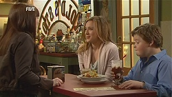 Summer Hoyland, Sonya Mitchell, Callum Jones in Neighbours Episode 6046