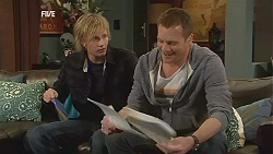 Andrew Robinson, Michael Williams in Neighbours Episode 6048