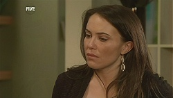 Libby Kennedy in Neighbours Episode 6048