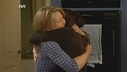 Steph Scully, Libby Kennedy in Neighbours Episode 6048