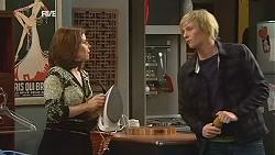 Rebecca Napier, Andrew Robinson in Neighbours Episode 6048