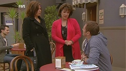 Rebecca Napier, Lyn Scully, Michael Williams in Neighbours Episode 6049