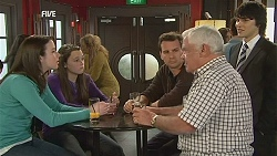 Kate Ramsay, Sophie Ramsay, Lucas Fitzgerald, Lou Carpenter, Declan Napier in Neighbours Episode 6049