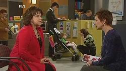 Lyn Scully, Declan Napier, India Napier, Rebecca Napier, Susan Kennedy in Neighbours Episode 6049