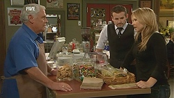 Lou Carpenter, Toadie Rebecchi, Steph Scully in Neighbours Episode 6050