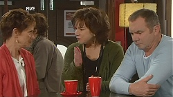 Susan Kennedy, Lyn Scully, Karl Kennedy in Neighbours Episode 6050
