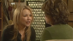Steph Scully, Lyn Scully in Neighbours Episode 6050