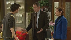 Zeke Kinski, Karl Kennedy, Susan Kennedy in Neighbours Episode 6051