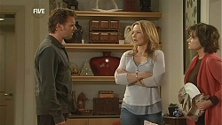 Lucas Fitzgerald, Steph Scully, Lyn Scully in Neighbours Episode 6052