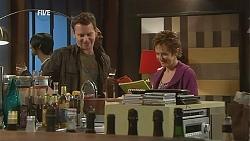 Lucas Fitzgerald, Susan Kennedy in Neighbours Episode 6052