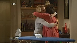 Steph Scully, Lyn Scully in Neighbours Episode 6052