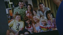 Toadie Rebecchi, Libby Kennedy, Lucas Fitzgerald, Callum Jones, Summer Hoyland, Steph Scully, Charlie Hoyland, Lyn Scully in Neighbours Episode 6053