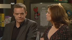 Paul Robinson, Rebecca Napier in Neighbours Episode 6054