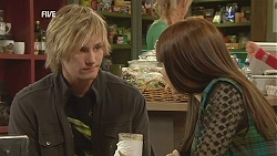 Andrew Robinson, Summer Hoyland in Neighbours Episode 6054