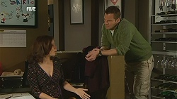 Rebecca Napier, Michael Williams in Neighbours Episode 6054