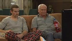 Toadie Rebecchi, Lou Carpenter in Neighbours Episode 6055