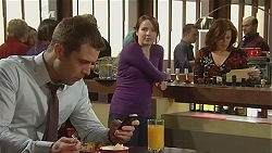 Mark Brennan, Kate Ramsay, Rebecca Napier in Neighbours Episode 6055