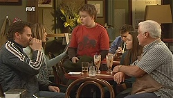 Lucas Fitzgerald, Sonya Mitchell, Callum Jones, Sophie Ramsay, Lou Carpenter in Neighbours Episode 6055