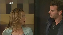 Sonya Mitchell, Lucas Fitzgerald in Neighbours Episode 6055