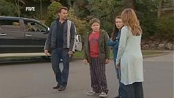 Lucas Fitzgerald, Callum Jones, Sophie Ramsay, Sonya Mitchell in Neighbours Episode 6056