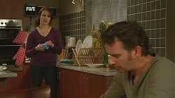 Kate Ramsay, Lucas Fitzgerald in Neighbours Episode 6056